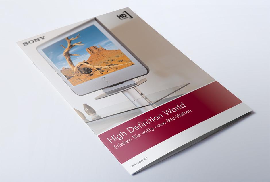Gestaltung und Reinzeichnung einer Produktbroschüre